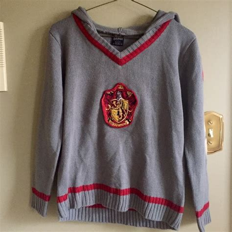 Sweater Anak Harry Potter Bungsu Clothing wizarding world of harry potter other gryffindor sweater harry potter fans l in poshmark