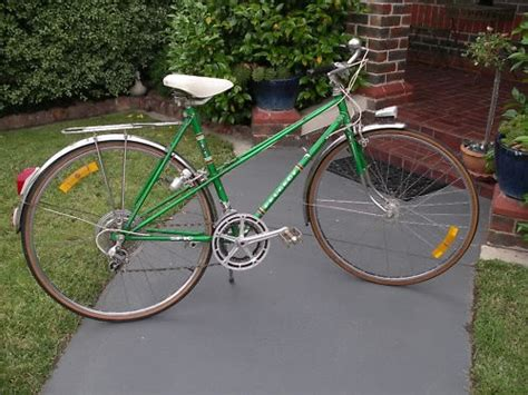 peugeot bike green vintage mixte peugeot green bike