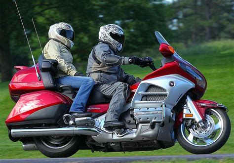 comfortable motorcycles touring image 9
