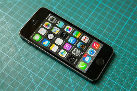 i phone 5 s iphone 5s review apple s smartphone goes for and gets the gold techcrunch