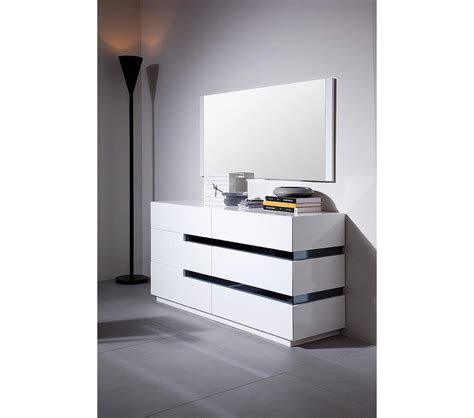 glossy white dresser dreamfurniture com cg02d contemporary white gloss dresser