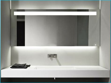 badezimmer spiegel beleuchtung die praktisch sinnvolle - Badezimmerspiegel Modern