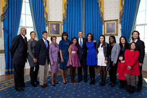 the first family obama s extended family joins him in newly released photos
