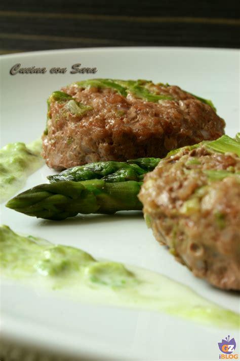 ricette per cucinare gli hamburger ricetta asparagi e hamburger cucina con