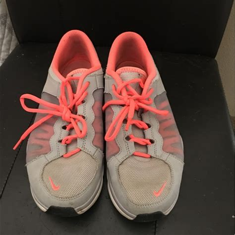 light pink tennis shoes 80 nike shoes nike light grey and pink tennis shoes