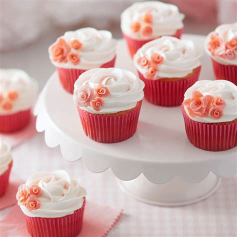 decoration tips rosy pink cupcakes wilton