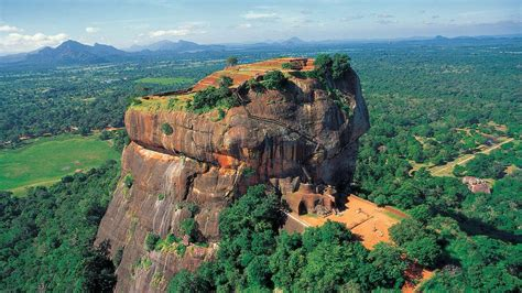 rich  national history  magnificent scenery sri