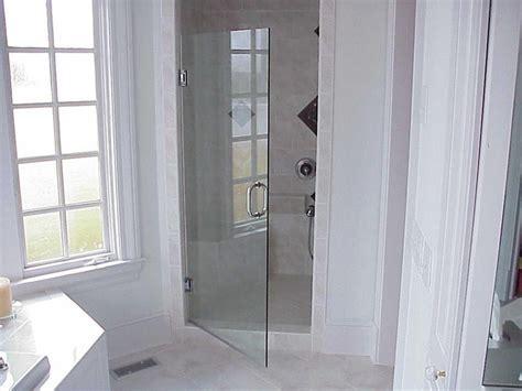 fiberglass bathtub enclosures 25 best ideas about fiberglass shower enclosures on