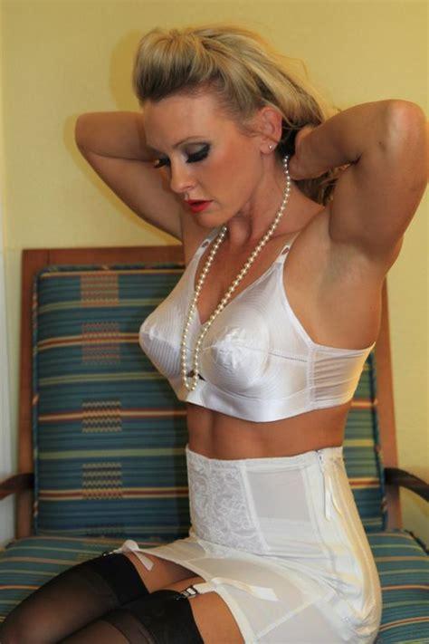 grany s wear open end girdles 1573 b 228 sta bilderna om lingerie p 229 pinterest h 246 g midja