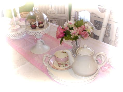 """From all things """"Shabby to Chic"""": Tea Party"""