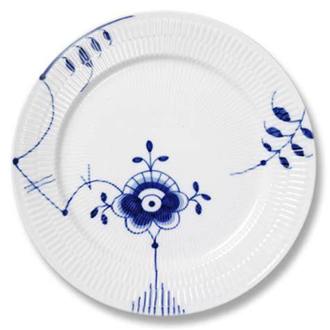 Royal Copenhagen Geschirr by Royal Copenhagen S Handpainted Blue And White Dinnerware