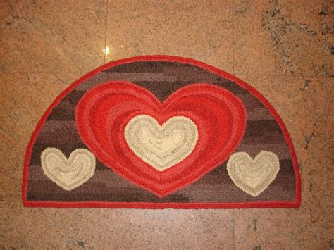 rug punch punch hooked rug make for valentines day hooked rugs 5
