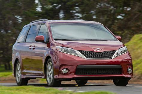 toyota minivan 2015 toyota sienna first drive motor trend