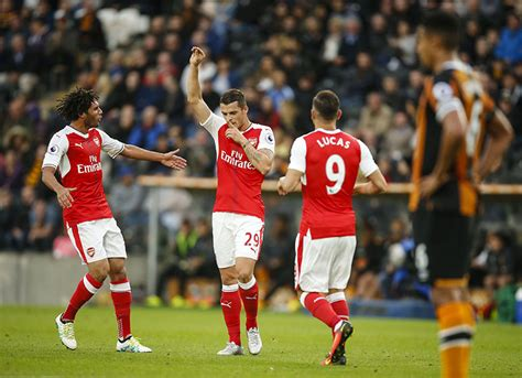 arsenal xhaka goal sanchez scores 2 arsenal beat hull 4 1 in premier league