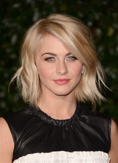 julianne hough bob short hairstyles lookbook stylebistro julianne hough short wavy cut julianne hough hair looks