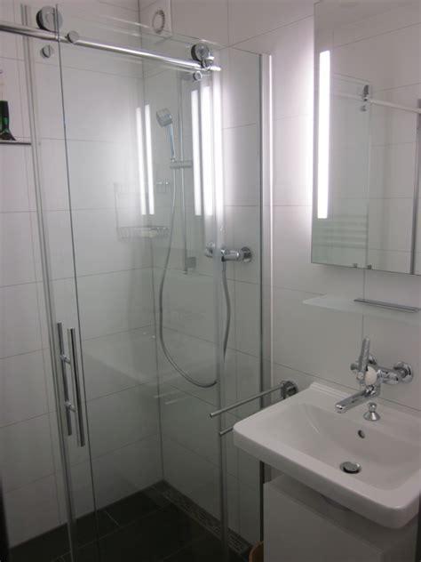 Durchschnittliche Kosten Badezimmer Umbau by Fishzero Dusche Silikon Erneuern Verschiedene