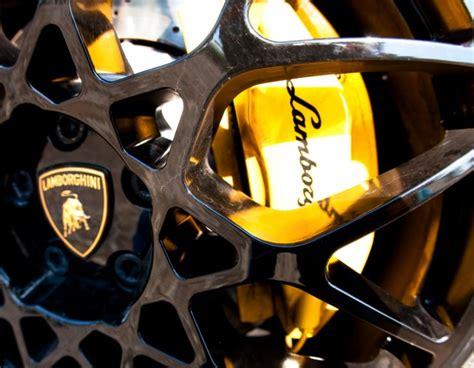 Lamborghini Brakes Martin What Makes The Lamborghini Spyder The Rich