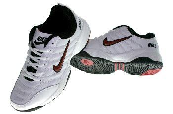 Sepatu Voli Fila sepatu badminton sepatu zu