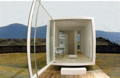 7 compact modular mobile homes from different countries