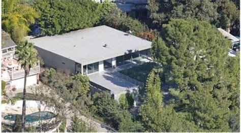 zac efron house 3 beautiful mid century modern celebrity homes benzinga