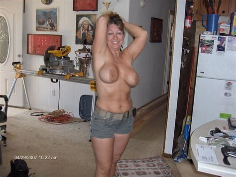 Real Home Amateur Topless Women