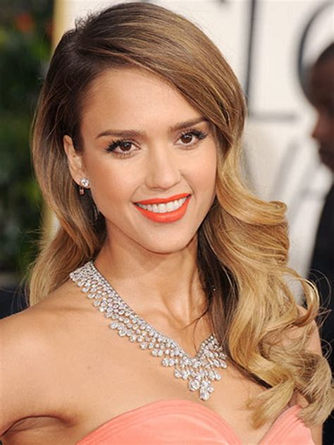 pictures jessica alba red carpet hairstyles through the red carpet hairstyles for medium hair