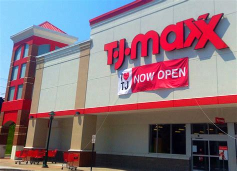 tj maxx 10 things you didn t know about shopping at t j maxx