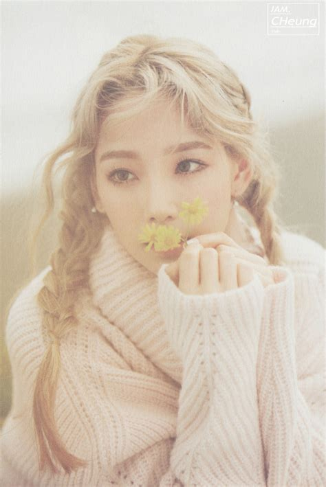 Pre Order Taeyeon Winter Album This taeyeon quot i quot photobook scans omona they didn t endless charms endless possibilities