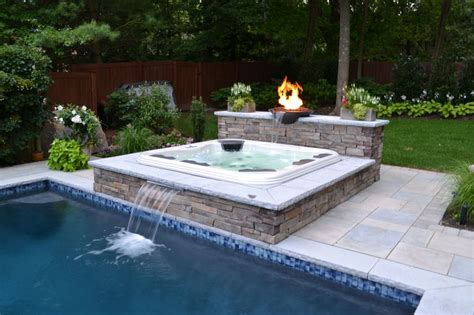 how to buy a bathtub how to determine the best hot tub to buy