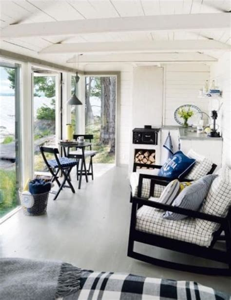 18 beach cottage interior design ideas inspired by the sea 25 coastal and beach inspired sunroom design ideas digsdigs