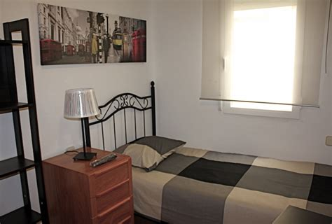 single room rent impeccable single room for rent in madrid with flat screen tv ronda segovia 13 room 4 madrideasy