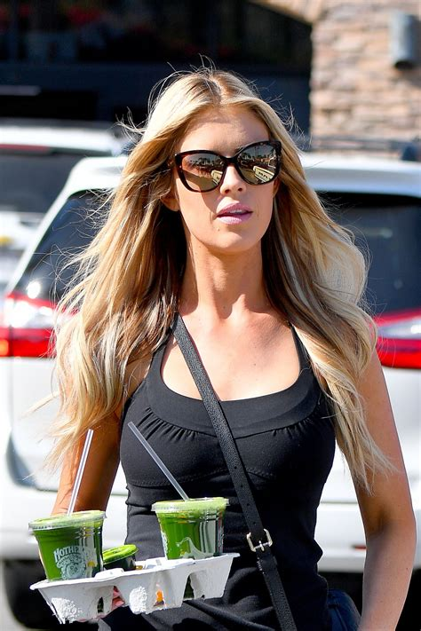 christina el moussa christina el moussa picks up a souple of juices at a local