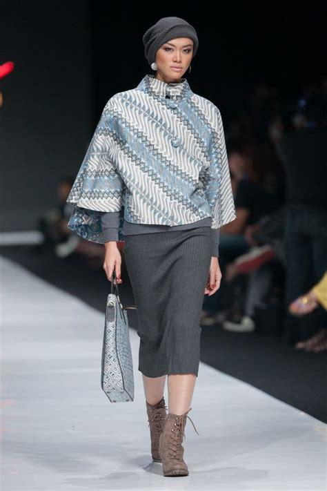 Batik Fashion Wanita Combination Nara Top jfw 2014 sarinah modern in heritage galeri batik jawa
