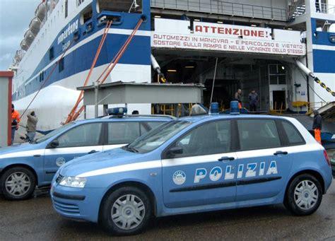ufficio di frontiera civitavecchia tre stranieri arrestati dalla polizia di