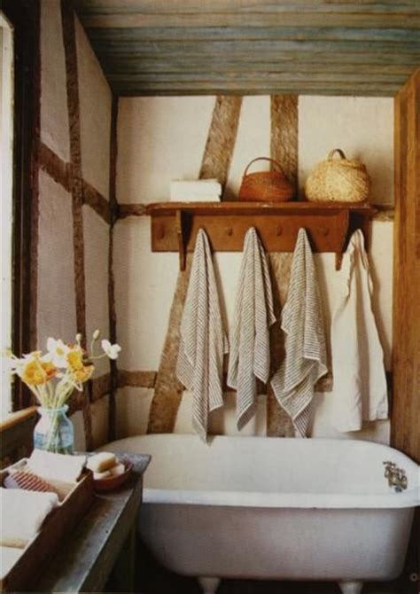 Primitive Country Bathroom Ideas Rustic Farmhouse Bathroom For The Home Pinterest Clawfoot Tubs Towels And Cabin