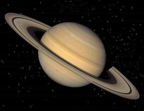 who discovered saturn and when was it discovered the solar system
