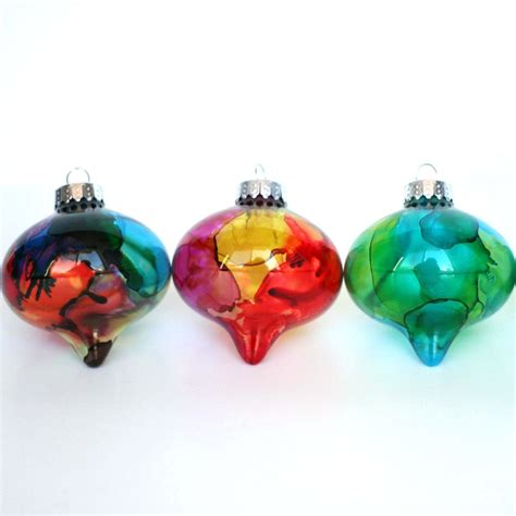 make alcohol ink ornaments