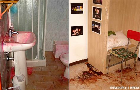 amanda show bathroom chilling pictures of meredith murder scene reveal