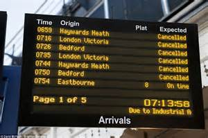 southern trains strike begins leaving commuters hit by