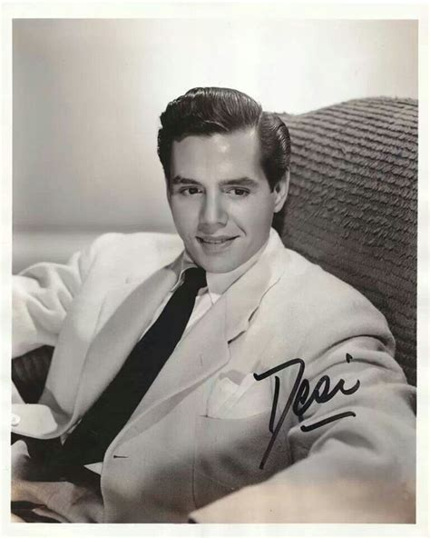 desi arnaz wow desi was young in this photo i love lucy pinterest