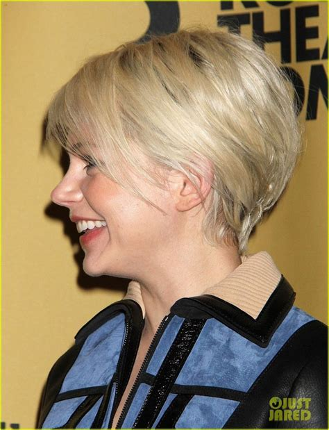 pictures of resonable amoount of hair thinning in bang area in 50s michelle williams gets raves for broadway debut in