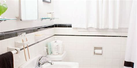 budget bathroom makeover this budget bathroom makeover proves little changes go a long way huffpost
