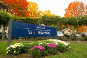 yale welcome sign on trumbull new