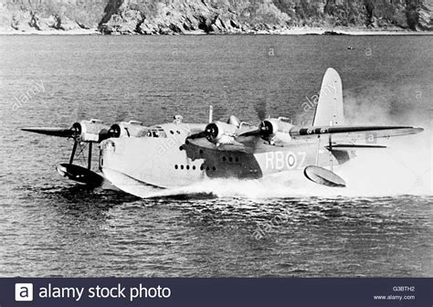 flying boat service to australia short sunderland flying boat w4004 rbz in service with