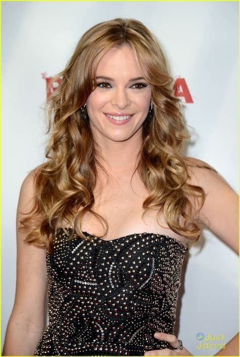 danielle panabaker piranha the gallery for gt danielle panabaker piranha 3dd