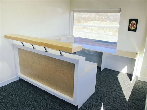 custom made reception desk by greene pepper woodworking