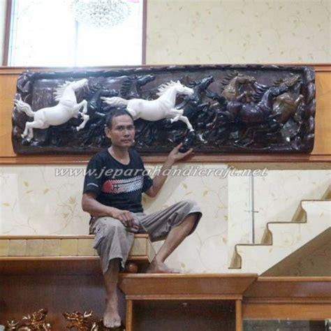 Ekor Kuda Warna Coklat Perak jual patung relief kayu kuda antik jepara harga murah