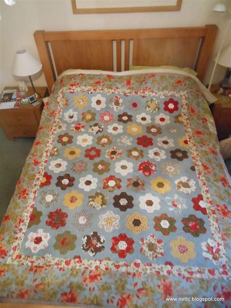Hexagon Papers For Patchwork - 233 best hexagons images on hexagon quilting