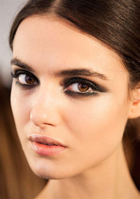 catwalk beauty runway beauty smoldering eyes at cushnie et ochs a w 2015