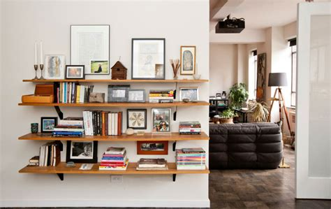 bookshelf decorating ideas for cool and clutter free room